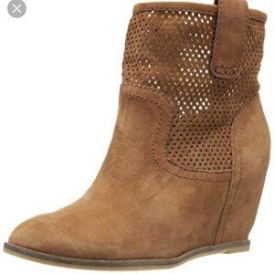 Lucky Brand Keno Boot